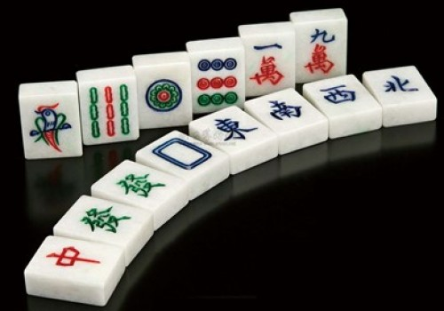 玩斗棋新乡麻将时,如何听牌?